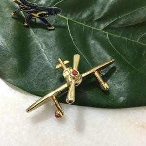 ✈️ brooch & pin